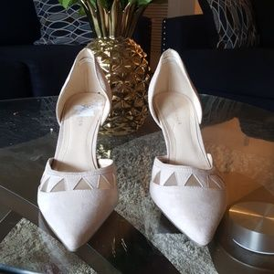 Marc Fisher Shoes - Pointy toe boho beige nude pumps heels